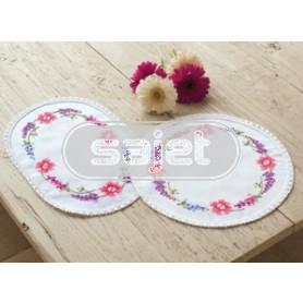 kruissteekkleedje veldbloemen met vlinders, wit
