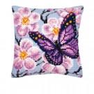 kruissteekkussen vlinder met bloemen